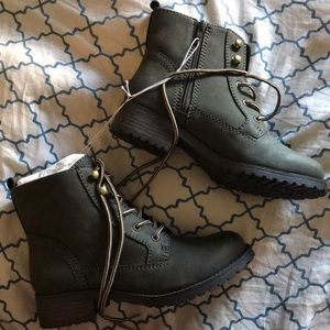Shoes - Ankle combat style boots
